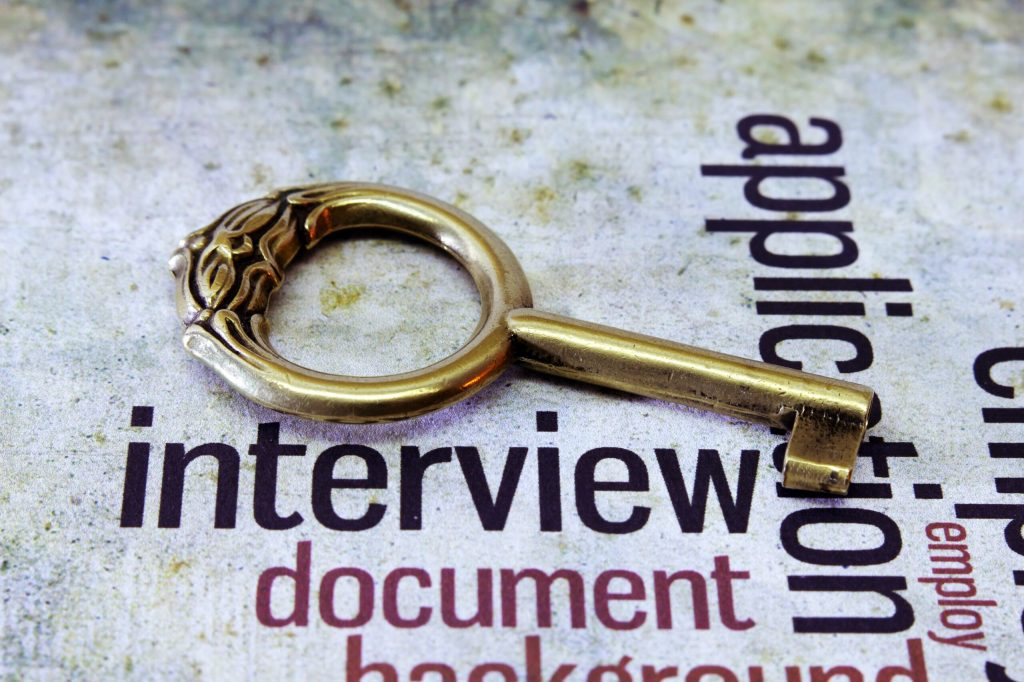 MAKING THE RIGHT IMPRESSION IN DIGITAL AND WEBCAM INTERVIEWS